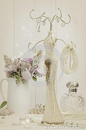 Free Jewellery Holder Royalty Free Stock Image - 25965266