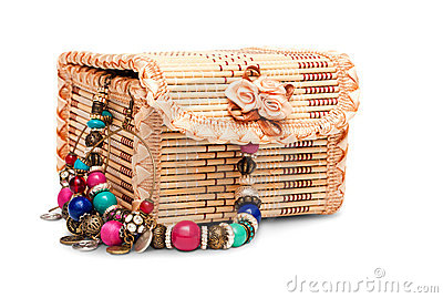 Jewelry box with variegated accessory