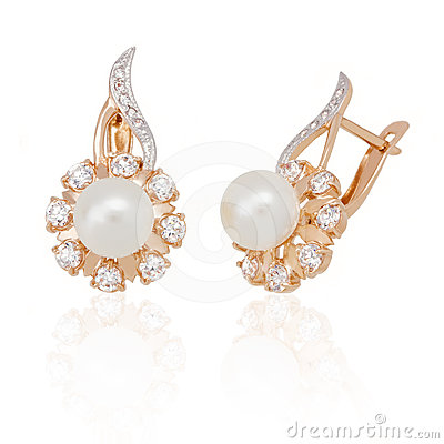 Free Jewelry Earring With Pearl And Diamonds Royalty Free Stock Photos - 24366328