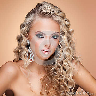 http://thumbs.dreamstime.com/x/jewelry-young-lady-luxury-accessories-beige-background-59447098.jpg