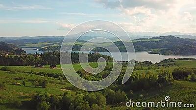 Jeziorny i daleki widok Tatras góry Czorsztyn Średniowieczny kasztel zbiory