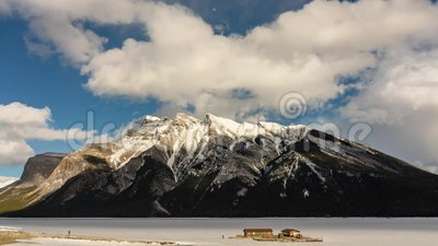 Jeziorny Minnewanka Banff Alberta zbiory wideo