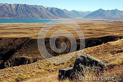 Jeziorny wąwozu skały tekapo
