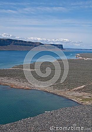 Jezioro pustynny krajobraz