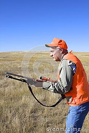 Jäger an betriebsbereitem