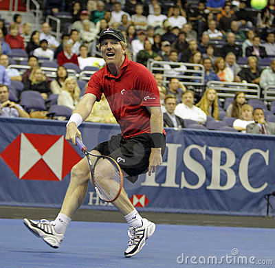 Jim Courier - Tennis legends on the court 2011 Editorial Stock Image