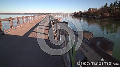 Jog Bellingham пристани парка бульвара, Вашингтон, США 4k UHD видеоматериал