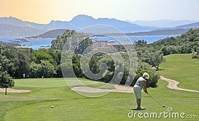 Jogador de golfe em Sardinia