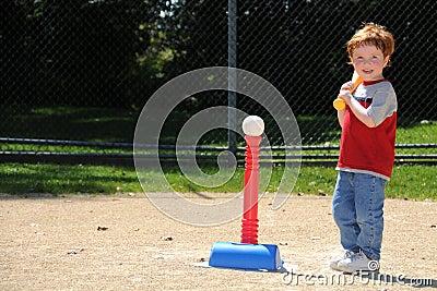 Jogador do T-ball até o bastão