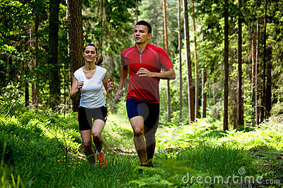 Jogging στο δάσος