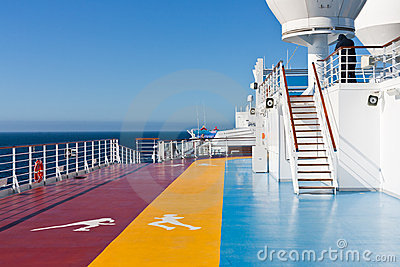 Jogging tracks in recreation area on cruise liner