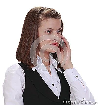 Jonge vrouw op de telefoon