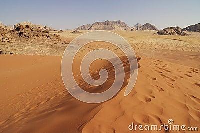 Jordan: Dune in Wadi Rum