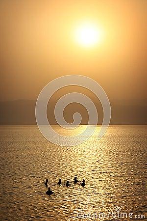 Jordan: Tourists floating in Dead Sea