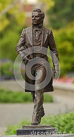 [Image: joseph-smith-statue-5900523.jpg]