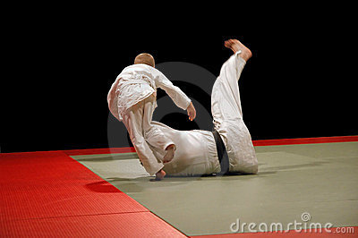 Judo shoulder throw judo sweeping hip throw stock photos image