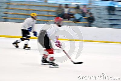 Jugadores de hockey en el hielo