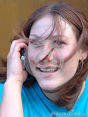 Jugendlich Unterhaltung auf Handy