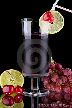 Juice and fresh fruits - organic, health drinks se