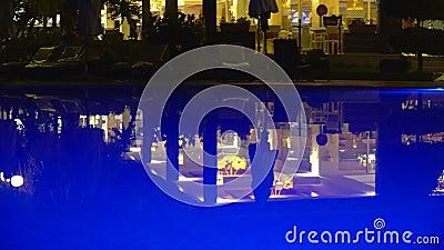 03 2017 Jul indyk Alania hotel równo w wieczór hotel jest na tle iluminujący basen zbiory