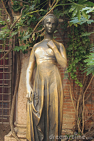 Juliet's Statue, Verona, Italy Stock Image - Image: 10139721 House Of Cards