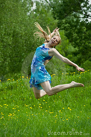 Free Jumping  Teen Girl Royalty Free Stock Images - 14383399