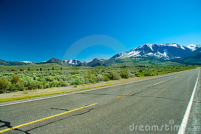 June Lake Loop highway