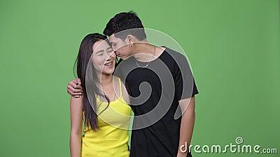 junge asiatische teen paar