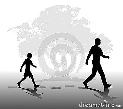 Junge, der in Schritte des Vaters folgt