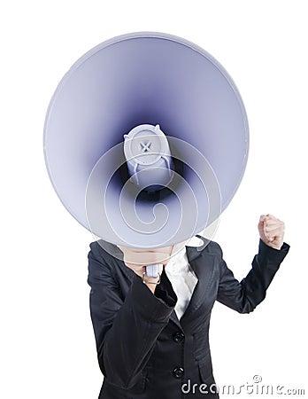 Junge Geschäftsdame mit Lautsprecher