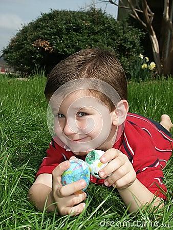 Junge mit Eiern 14