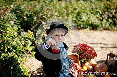 Junge und Gemüse