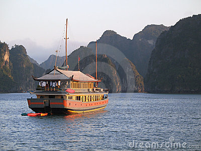 Junk cruise on Halong Bay, Vietnam