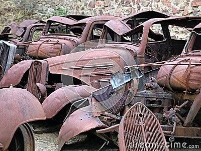 Junkyard автомобилей
