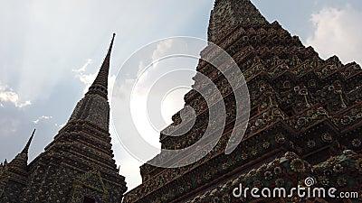 4K Big Pagoda e architettura dell'arte thai a Wat Pho video d archivio