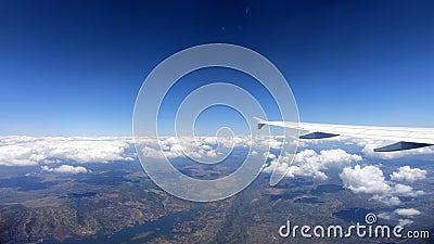4K Piękny kraj europejski, rzeka z góry Pasażera POV podróż powietrzem zbiory