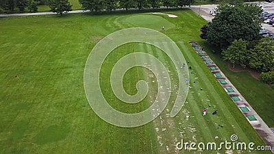 4 K Tiro de cima com o Clube Golfe de olho de pássaro, Condado de Bucks vídeos de arquivo