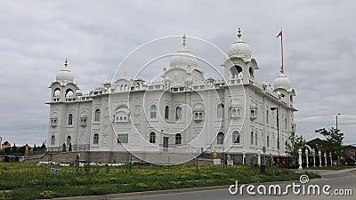 4K UltraHD Timelapse del tempio sikh Gurdwara Dashmesh Darbar in Brampton, Canada stock footage