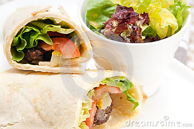 how to make chicken shawarma roll