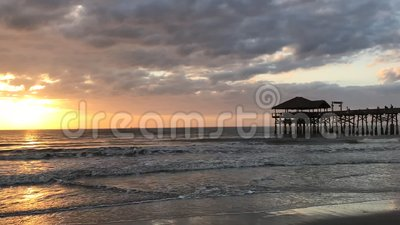 Kakao-Strand, Florida-Stadt Pier Sunrise Time Lapse stock footage