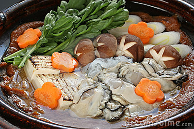 Kaki dotenabe , oyster cooked in a pot at the tabl