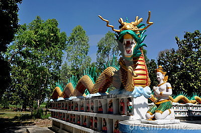 Kanchanaburi, Thailand: Dragon at Temple