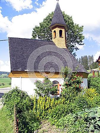 Kapelle und Gemüsegarten
