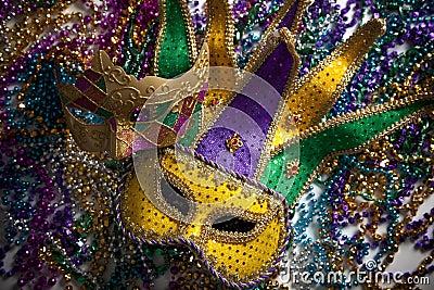 Karneval-Schablone und Korne
