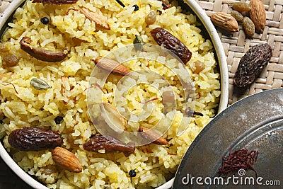 how to make kashmiri pulao in hindi