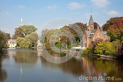 Kasteel Minnewaterpark and Love Lake at Brugge