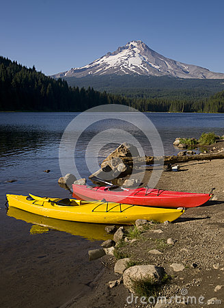 Red Yellow Kayaks Trillium Lake Mt Hood Oregon