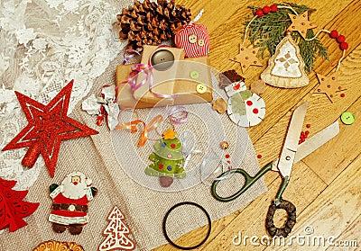 Kerstkaart houten wijnoogst met met de hand gemaakte giften stock foto afbeelding 63034049 - Wijnoogst ...