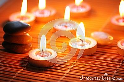 Kerzen und Kiesel für Badekurort-SE