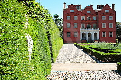 Kew palace with statue